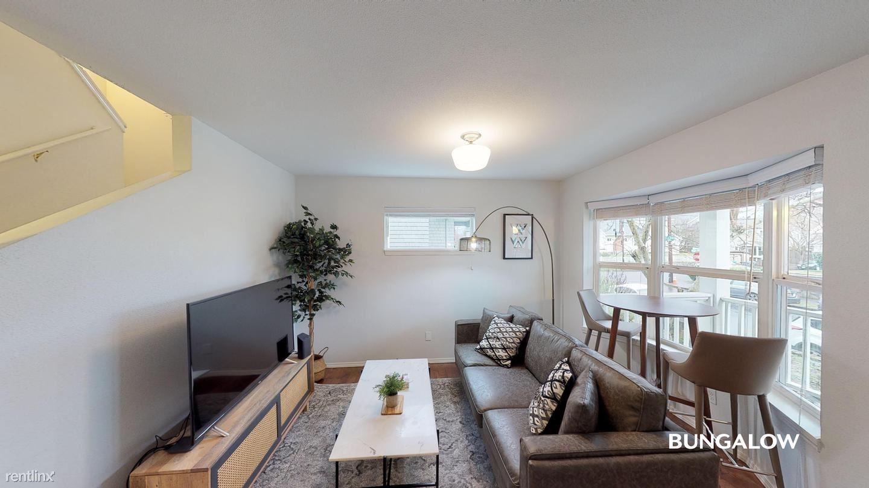 3963 NE Mallory Ave, Portland, OR - $715 USD/ month
