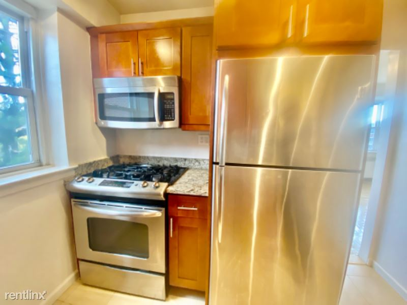 240 Garth Rd B6, Scarsdale, NY - $1,850 USD/ month
