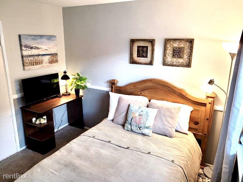 Owari Ln, Riverside, CA - $1,175 USD/ month