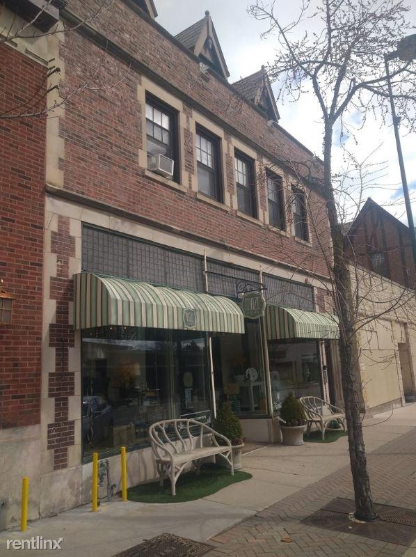 731 Elm St, Winnetka, IL - $1,395 USD/ month