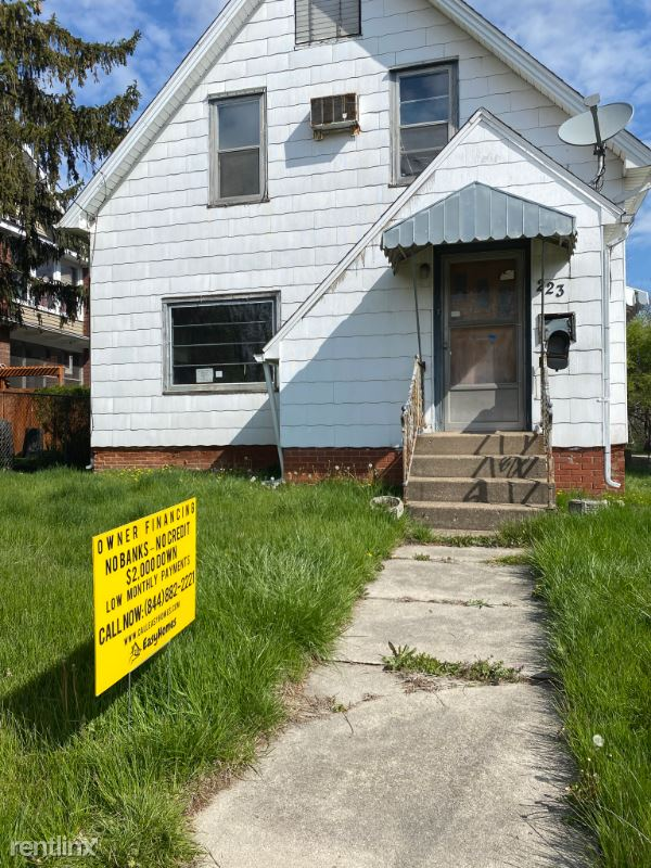 223 W Locust St, Canton, IL - $720 USD/ month