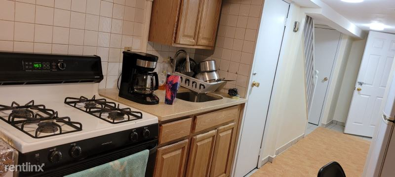 11427 78th Ave, Flushing, NY - $1,300 USD/ month