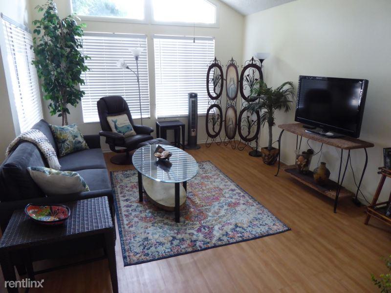1046 Canal St., Oxnard, CA - $2,895 USD/ month