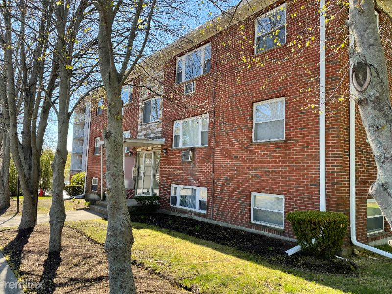 580 Salem St, Wakefield MA 8, Wakefield, MA - $1,875 USD/ month