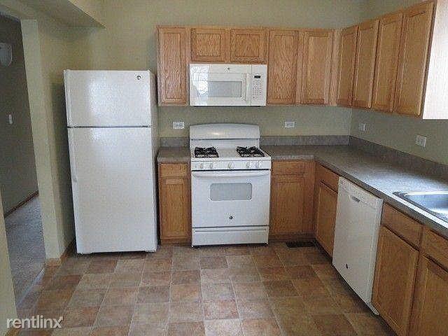 117 Edison Rd, Joliet, IL - $800 USD/ month