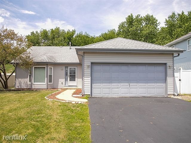 3822 Brenton Dr, Joliet, IL - $1,800 USD/ month