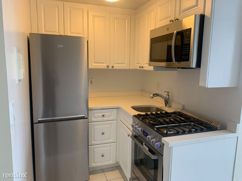 850 Amsterdam Ave 16B, New York, NY - $1,620 USD/ month