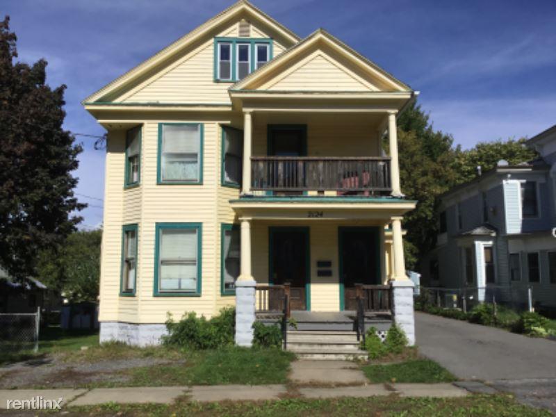 Highland Ave, Utica, NY - $2,200 USD/ month