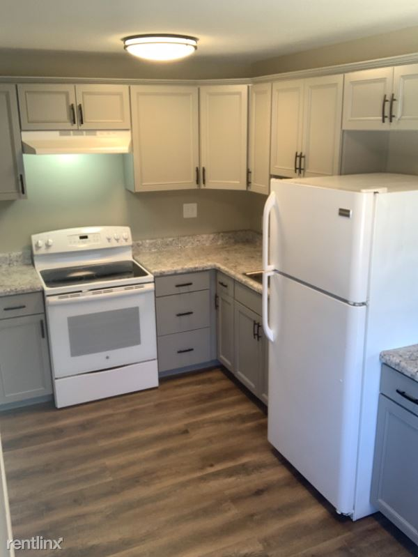 2620 N Hanssler Ct, Peoria, IL - $695 USD/ month