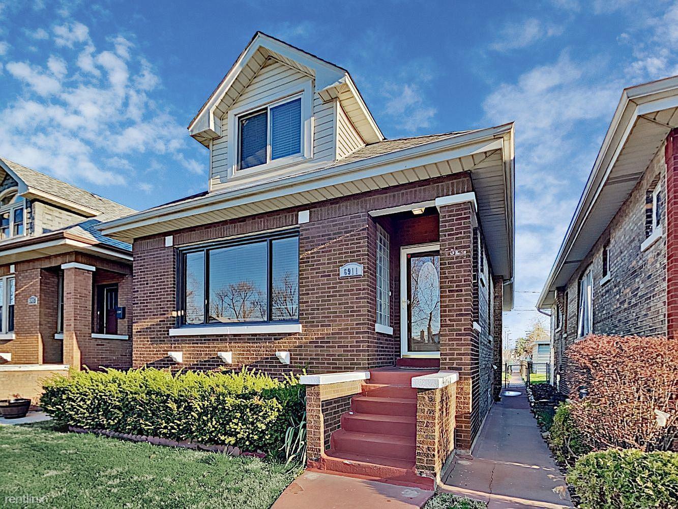6911 26th St, Berwyn, IL - $1,800 USD/ month