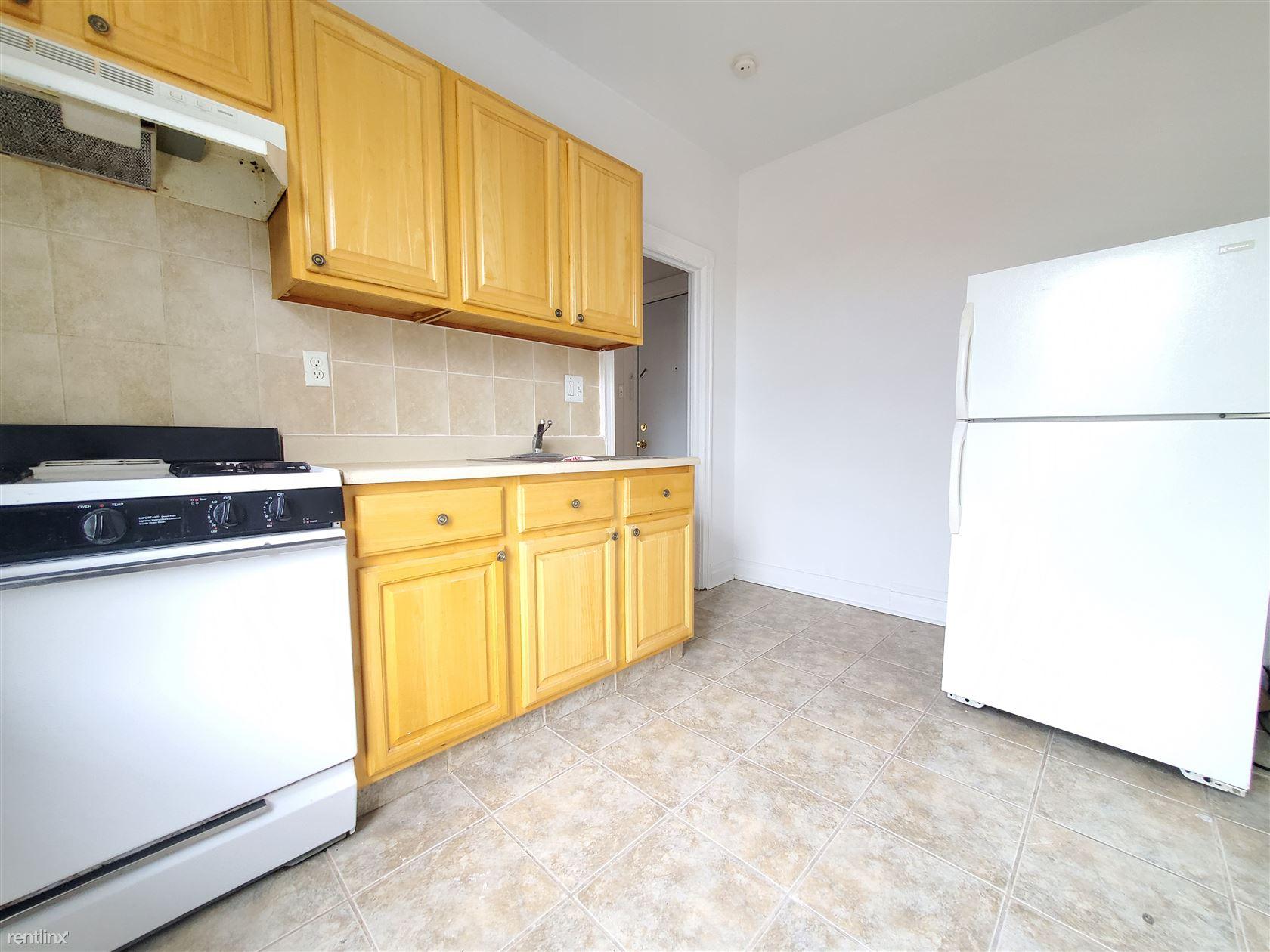 155 W 29th St, Bayonne, NJ - 1,524 USD/ month