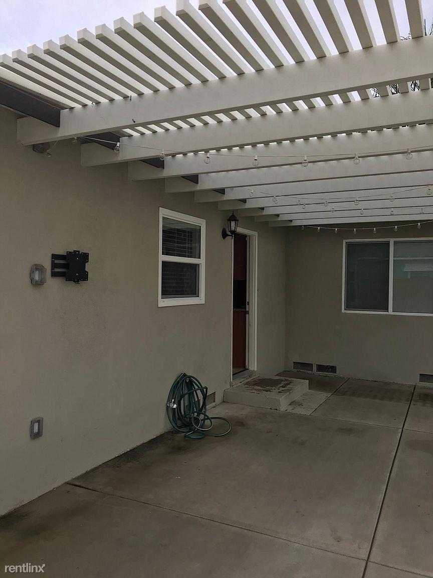 115 E San Jose Ave, Claremont, CA - $2,400 USD/ month