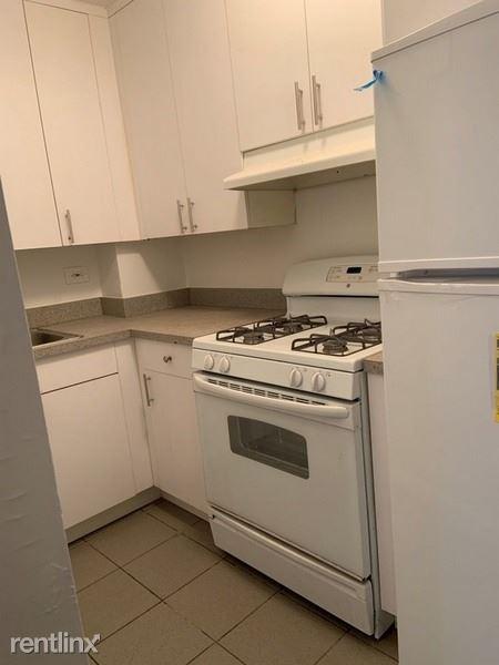 12360 83rd Ave, Kew Gardens NY 10, Kew Gardens, NY - $1,800 USD/ month