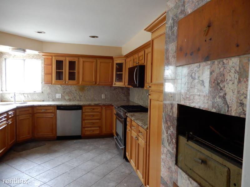 14101 Yukon Avenue, Hawthorne, CA - $3,595 USD/ month