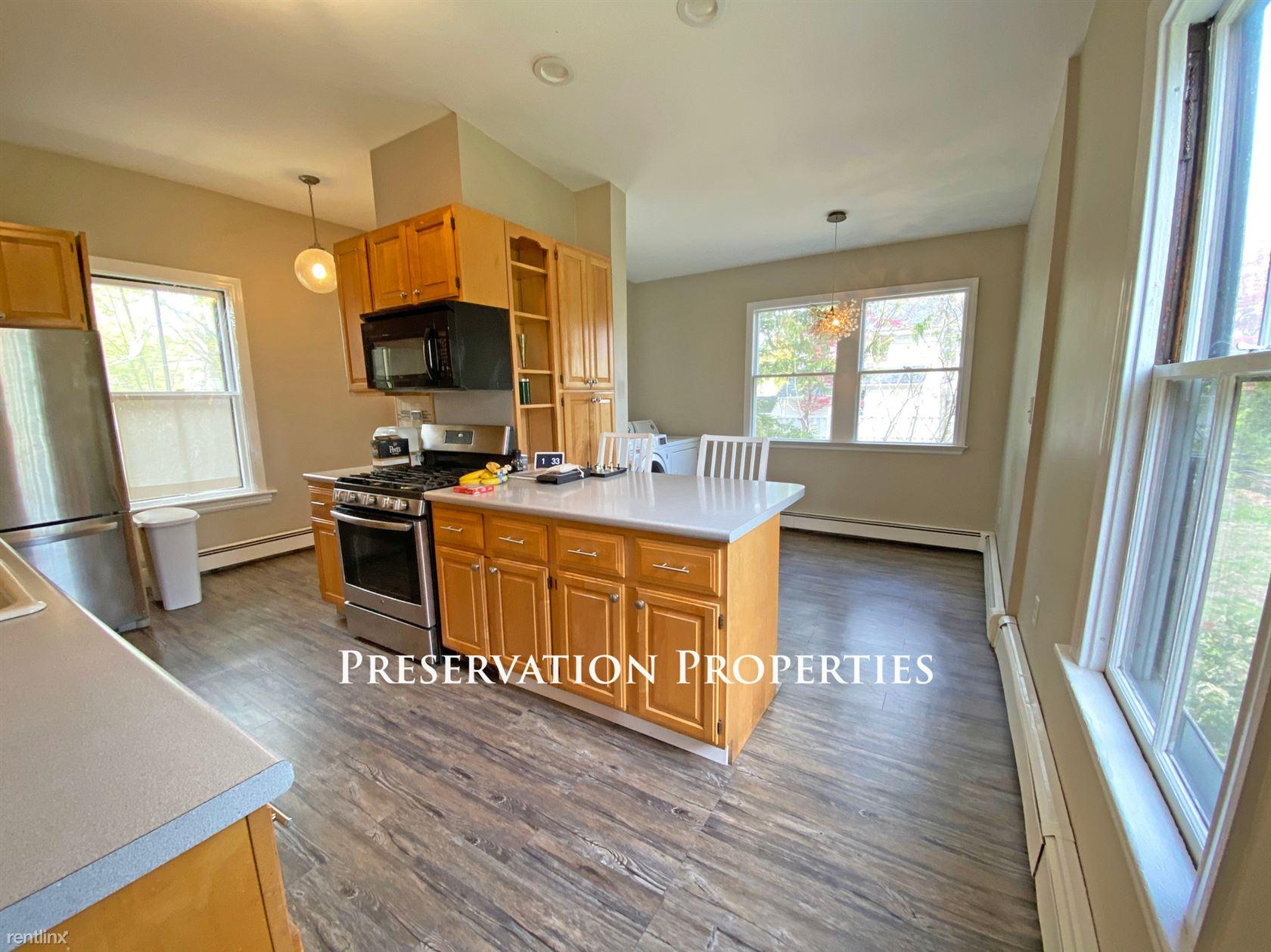 263 Auburndale Ave, Auburndale, MA - $4,200 USD/ month