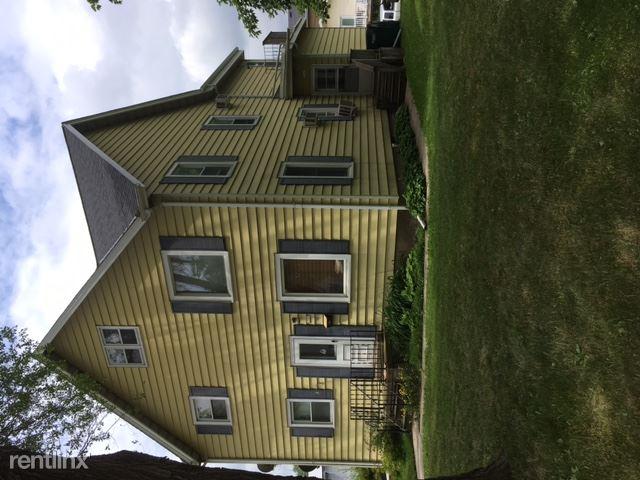 1341 Kewaskum St Upper, Kewaskum, WI - $975 USD/ month