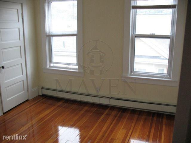 160 Grant Avenue, Medford, MA - $2,200 USD/ month