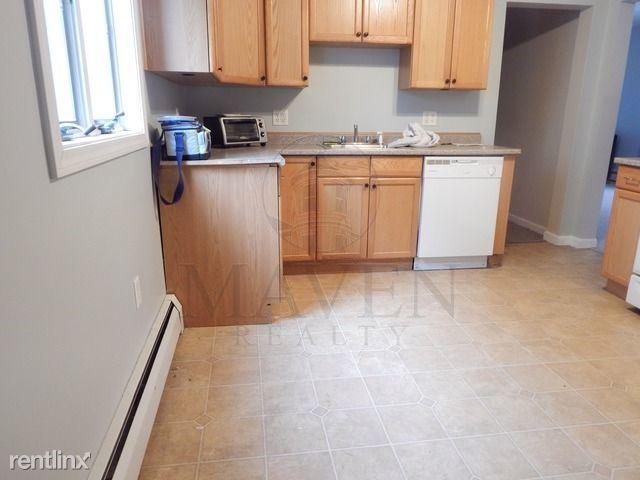 428 Main Street, Medford, MA - $2,200 USD/ month