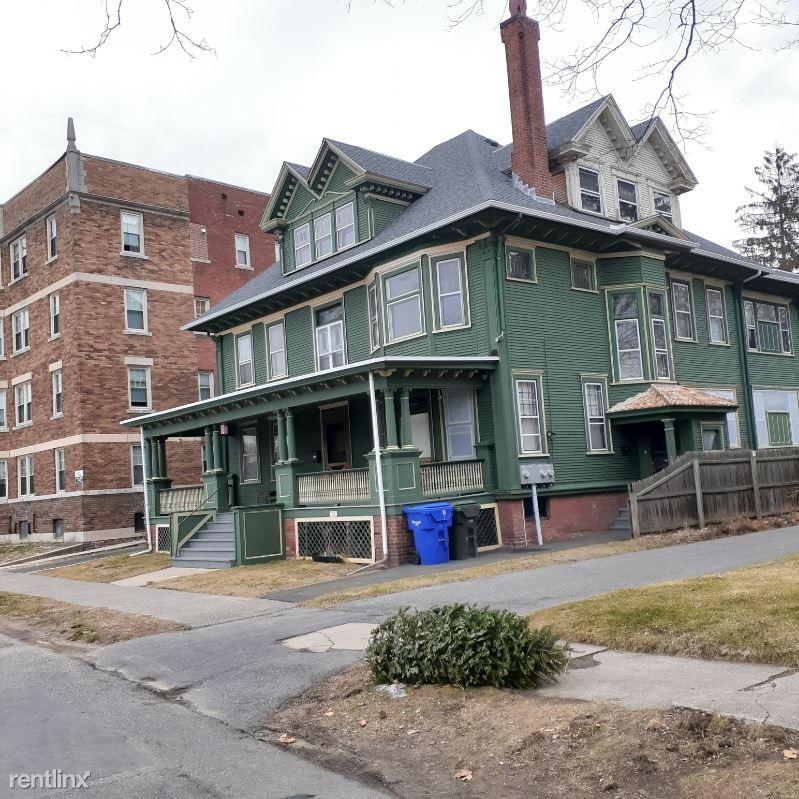 Beechwood Ave, Springfield, MA - $650 USD/ month