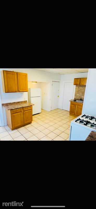 1104 Barrett St 3, Schenectady, NY - $795 USD/ month