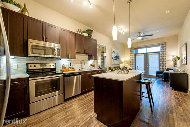 2033 S Gessner Rd, Houston, TX - $1,174 USD/ month