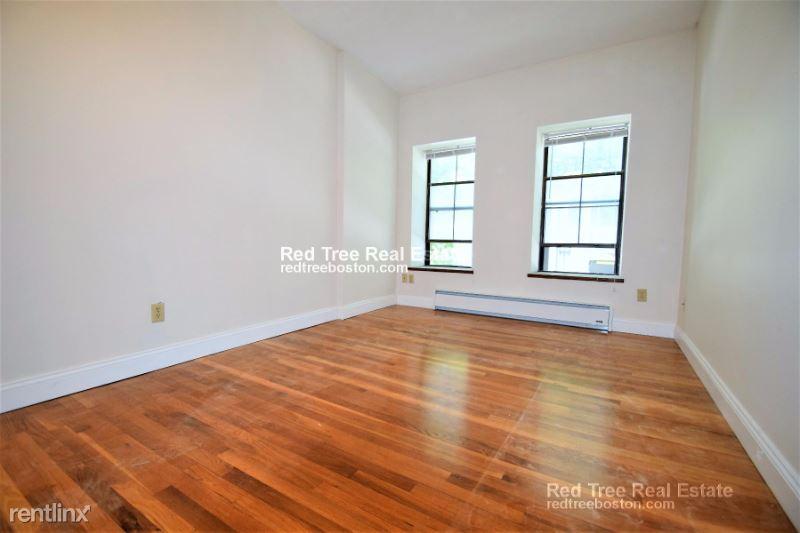 Columbus Ave, Boston, MA - $4,250 USD/ month