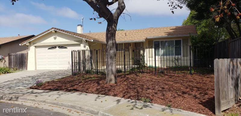 3235 Santa Paula Way, Union City, CA - $3,300 USD/ month