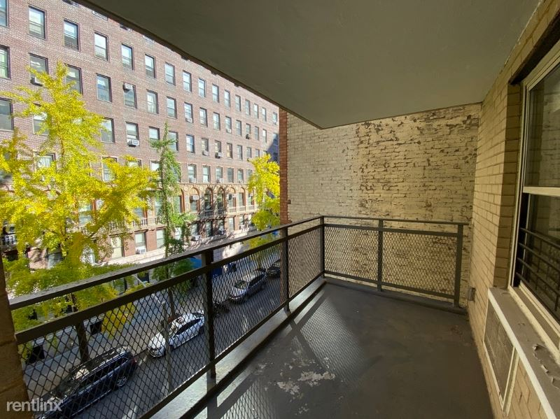 210 W 89th St, New York, NY - $6,995 USD/ month