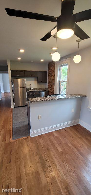 131 Elmwood Ave 2, Buffalo, NY - $1,100 USD/ month