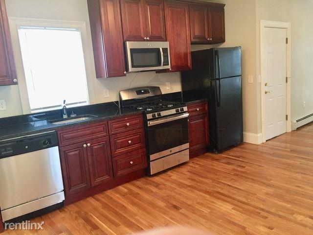 Wilton St, Somerville MA, Somerville, MA - $2,450 USD/ month