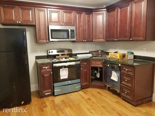 Ashland St, Somerville MA, Somerville, MA - $2,300 USD/ month