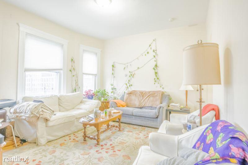 746 Bennington St. 3, Boston, MA - $2,800 USD/ month