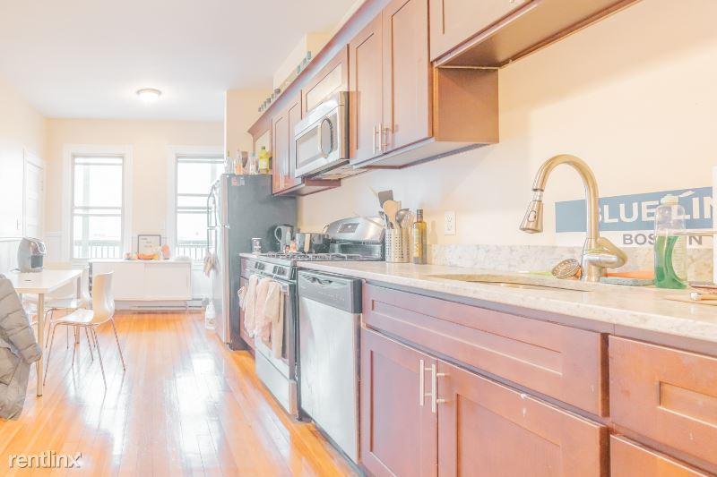 72 Prescott St. 3, Boston, MA - $2,800 USD/ month