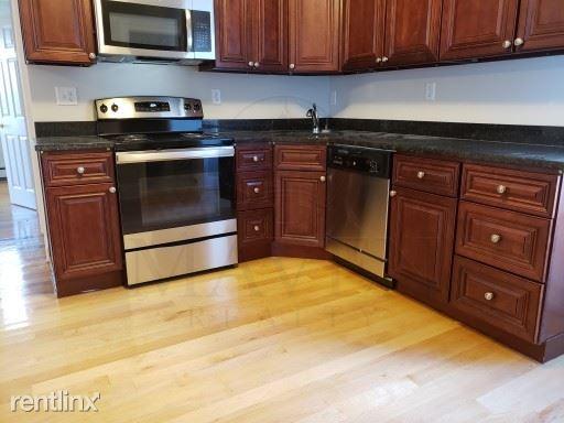 Harold St, Medford MA, Medford, MA - $2,300 USD/ month