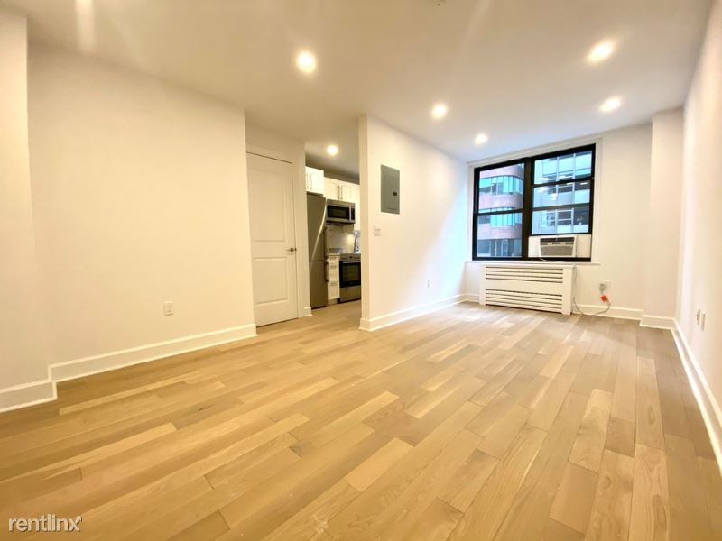 160 East 48th St 15M, manhattan, NY - $3,329 USD/ month
