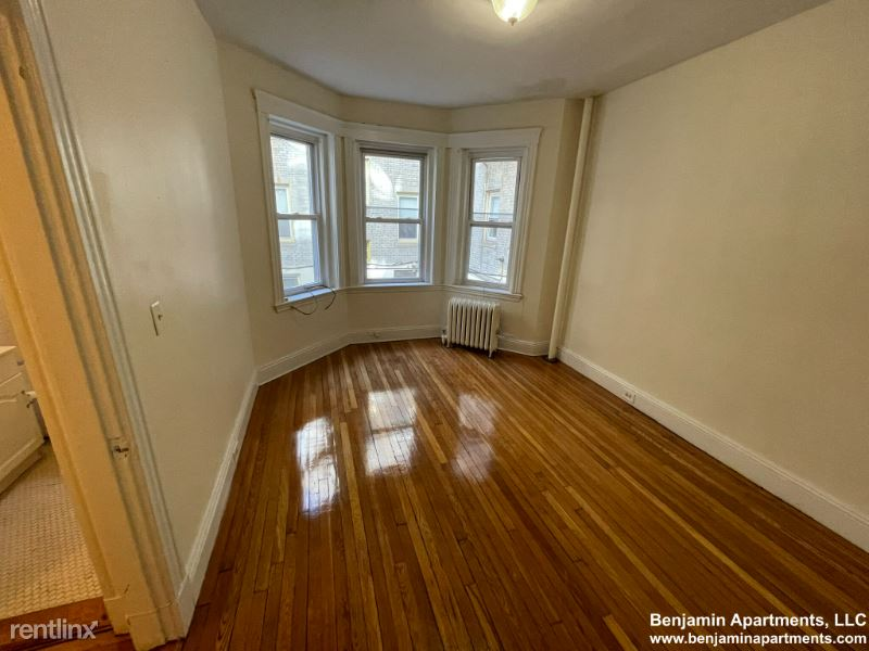 1197 Boylston St, Boston MA 45, Boston, MA - $2,050 USD/ month