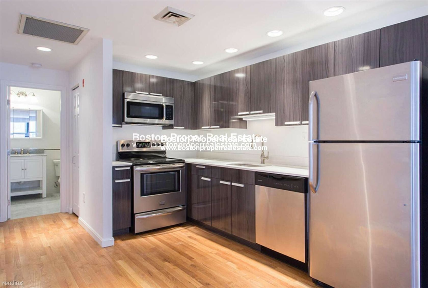 100 Jersey St Apt 206, Boston, MA - $2,975 USD/ month
