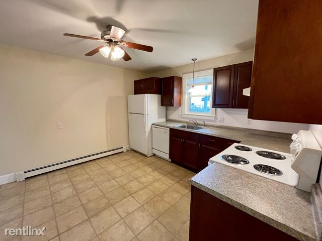 403 Washington St Apt 1, Quincy, MA - $1,895 USD/ month