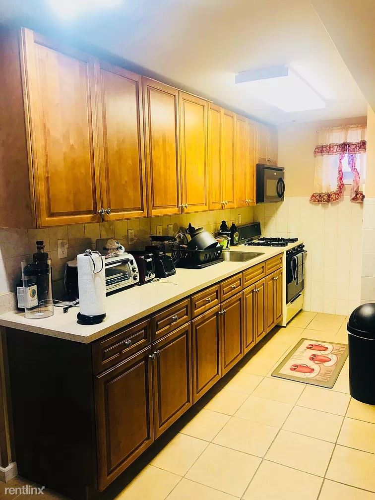 Nepperhan Ave, Yonkers, NY - $2,500 USD/ month