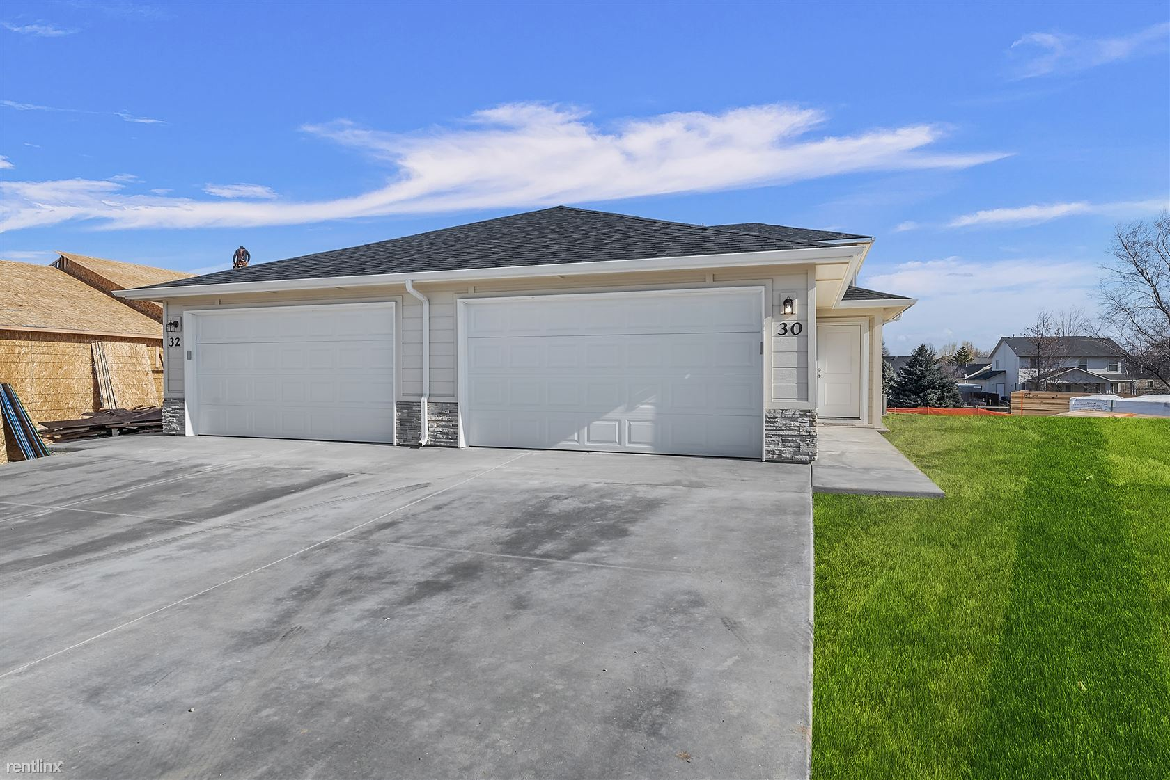 26 & 28 South Drifter Loop, Nampa, ID - $1,495 USD/ month