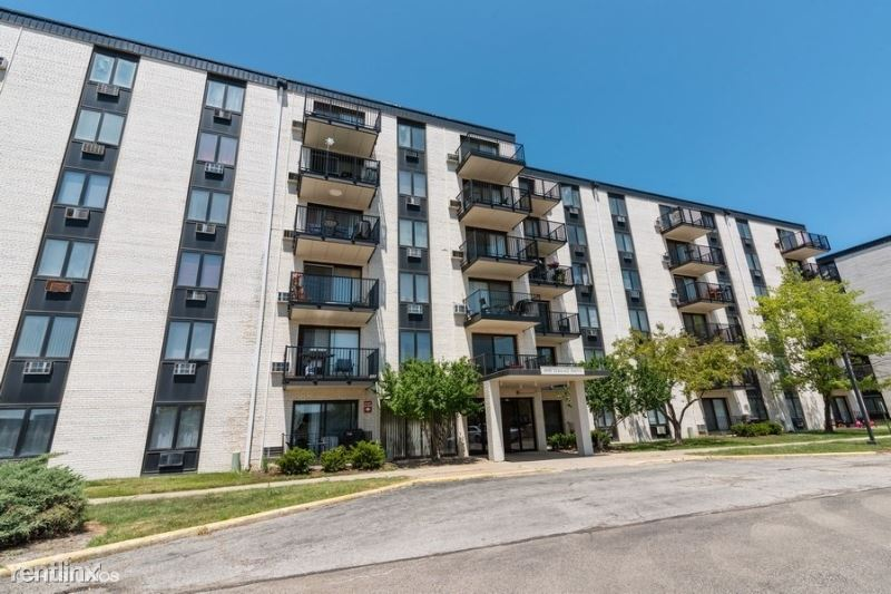 9098 W. Terrace Drive 3L, Niles, IL - $1,150 USD/ month