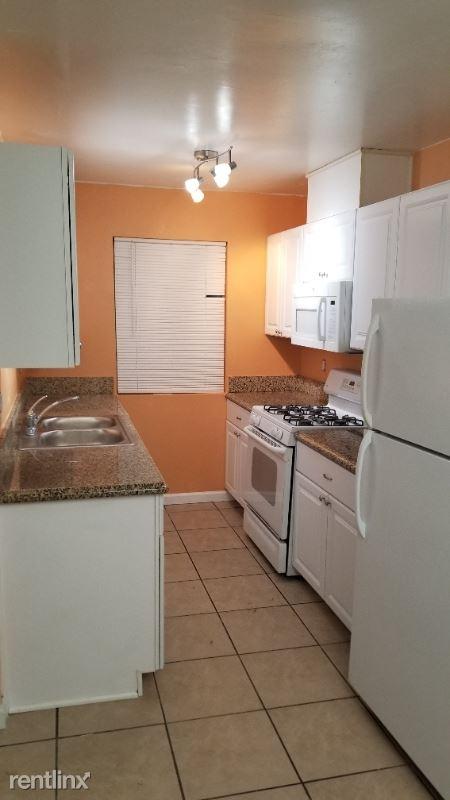 Central Ave, Lemon Grove, CA - $2,500 USD/ month