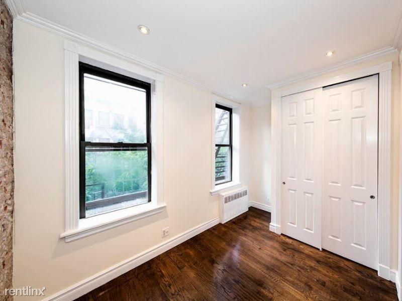 407 E81 st, New York, NY - $2,050 USD/ month