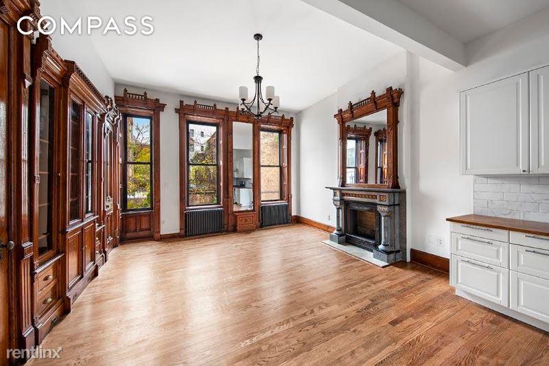 E 15th St, New York NY, New York, NY - $10,000 USD/ month