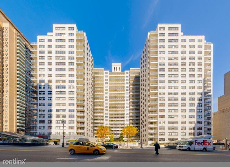 E 86th St, New York NY, New York, NY - $3,917 USD/ month