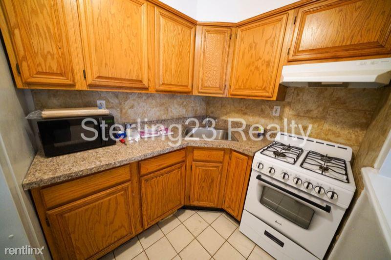 3240 31st St, Astoria NY 1, Astoria, NY - $1,825 USD/ month