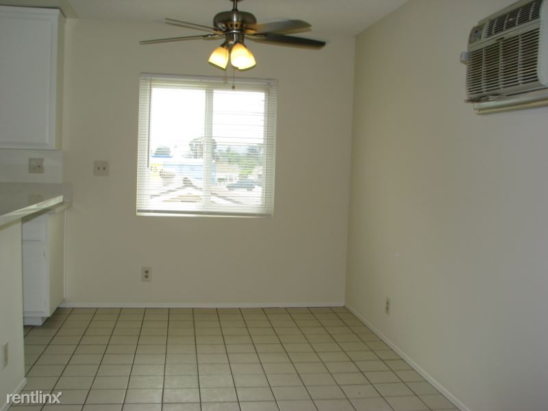 6423 Tujunga Ave, North Hollywood, CA - $1,500 USD/ month