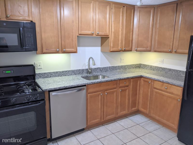 425 South Boulevard 1W, Chicago, IL - $1,450 USD/ month