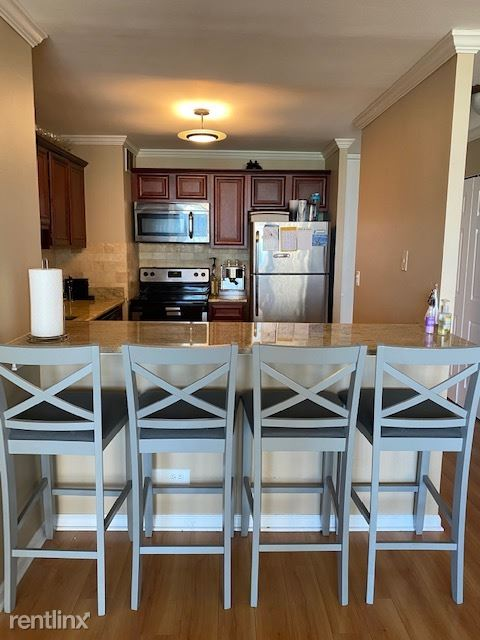 1636 N Wells St 2505, Chicago, IL - $2,000 USD/ month