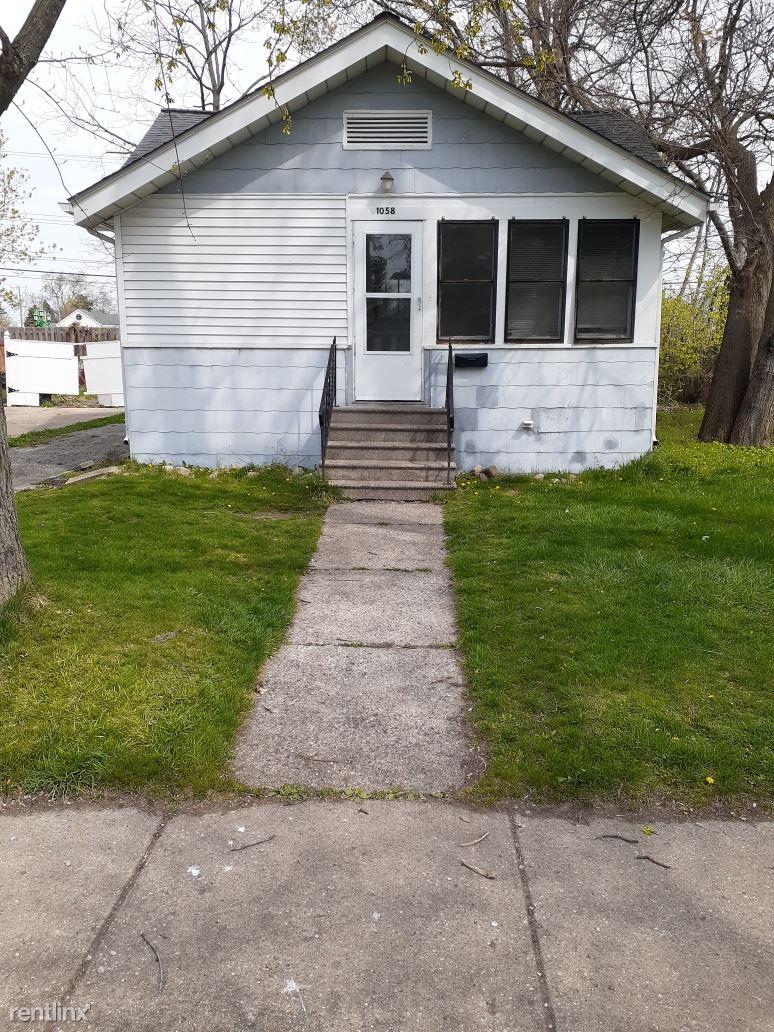 1058 Myrtle, Waterford, MI - $1,000 USD/ month